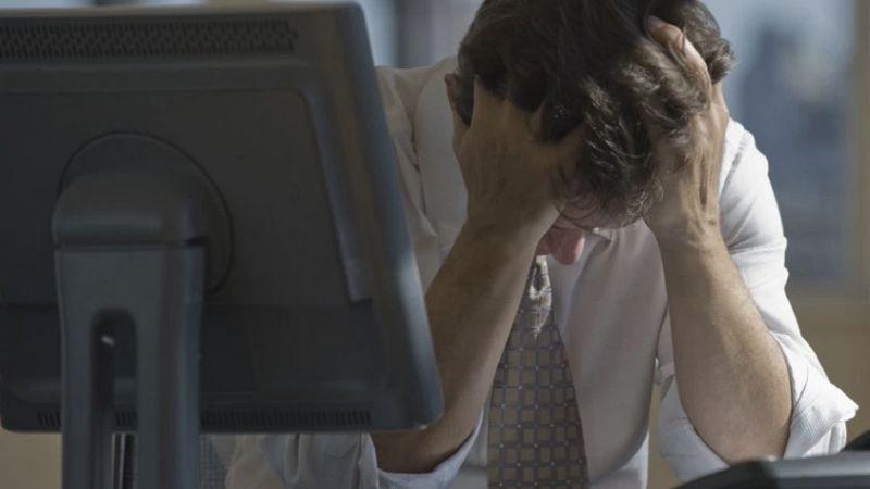 OMS advierte sobre los riesgos de trabajar por más de 55 horas semanales