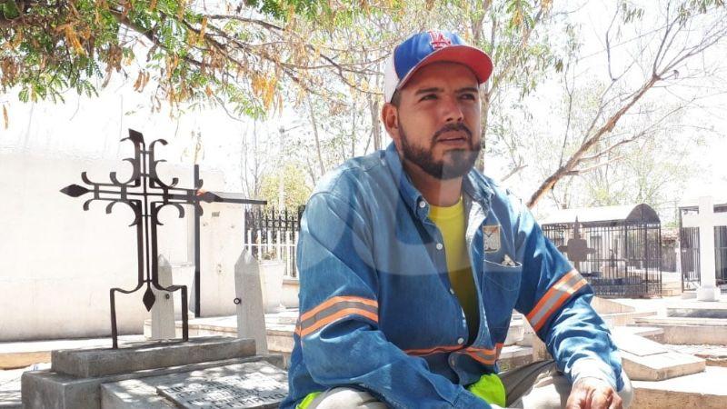 Luis relata las experiencias que ha vivido en los panteones de Hermosillo