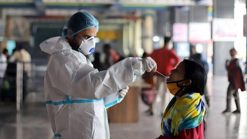 Médicos de la India descubren nuevos síntomas de Covid-19 tras aparición de nuevas cepas