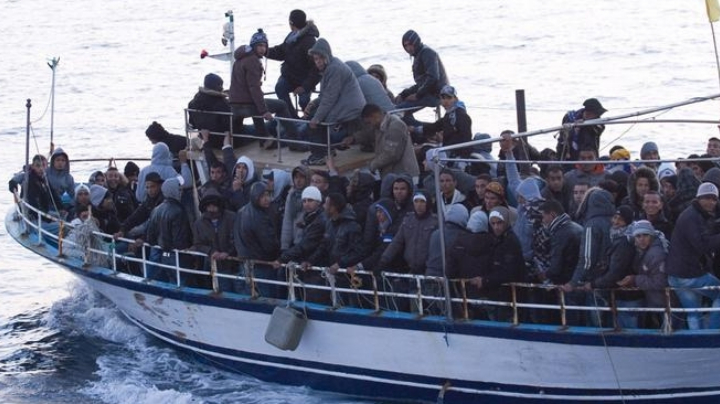 Se hunde barco en las costas de Sfax; mueren ahogados 50 migrantes y rescatan a 33