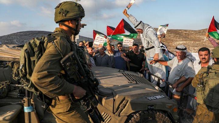 Soldados israelíes asesinan a tiros a una mujer palestina que les disparó con un fusil