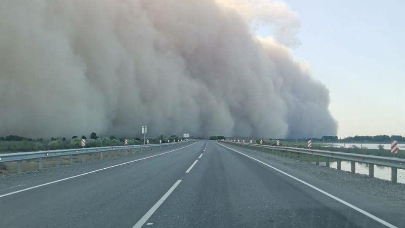 FOTO: ¡Impactante! Tormenta de arena cubre en minutos una ciudad completa