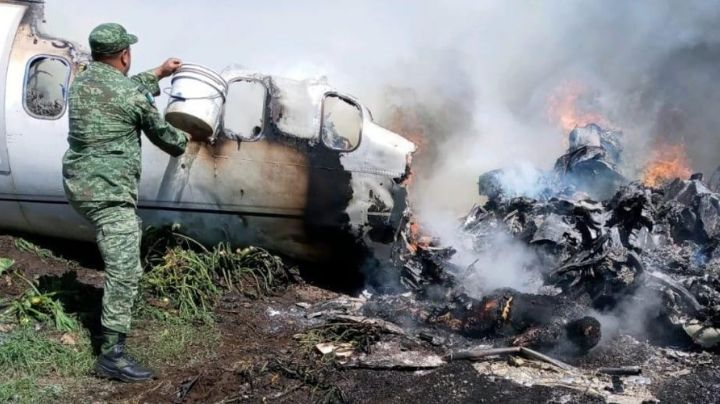 Se desploma avión de carga en Michoacán; se reportan al menos 3 muertos