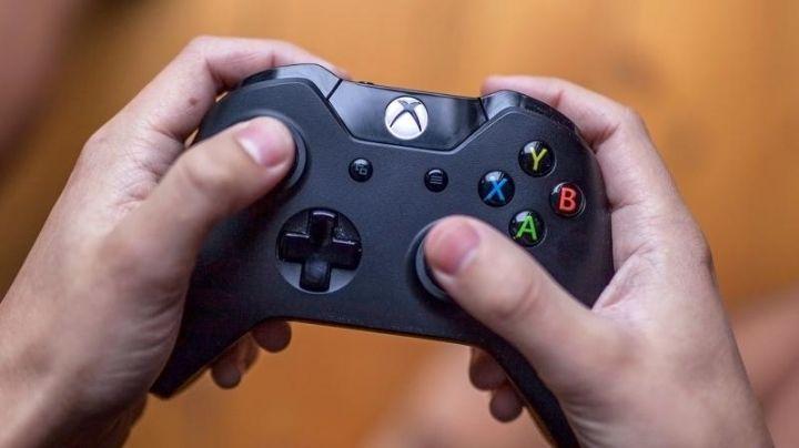 Simon muere con un control de Xbox en las manos mientras jugaba videojuegos