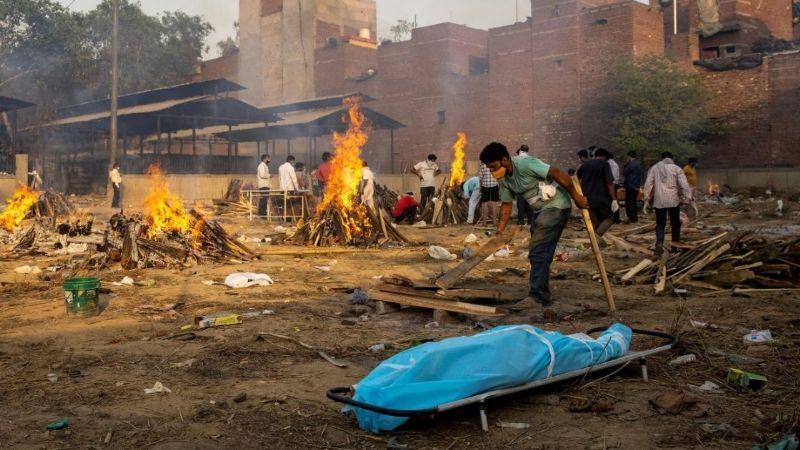 Covid-19: Experto explica cuál sería la razón de la devastadora crisis en la India