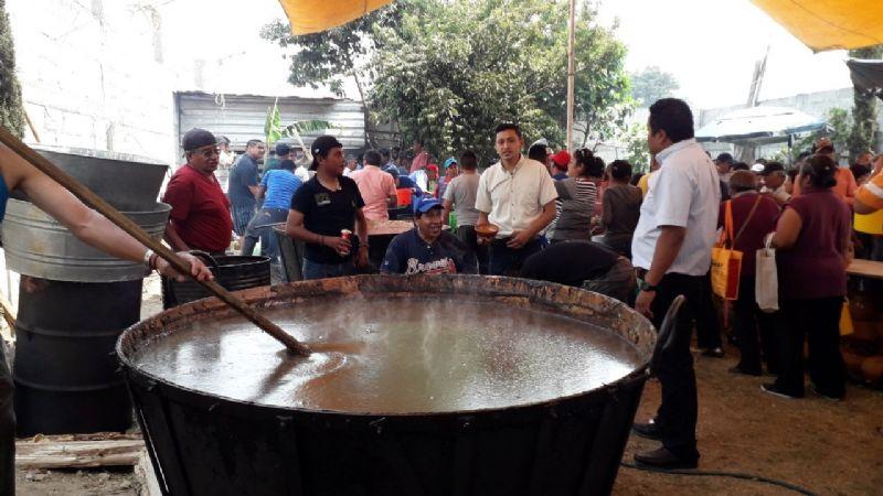 De Tlaxcala para el mundo: Averigua qué es el mole prieto; esconde un fantástico ritual
