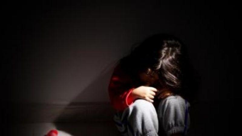 Niña de 11 años de edad es emborrachada y violada por su padre en Inglaterra