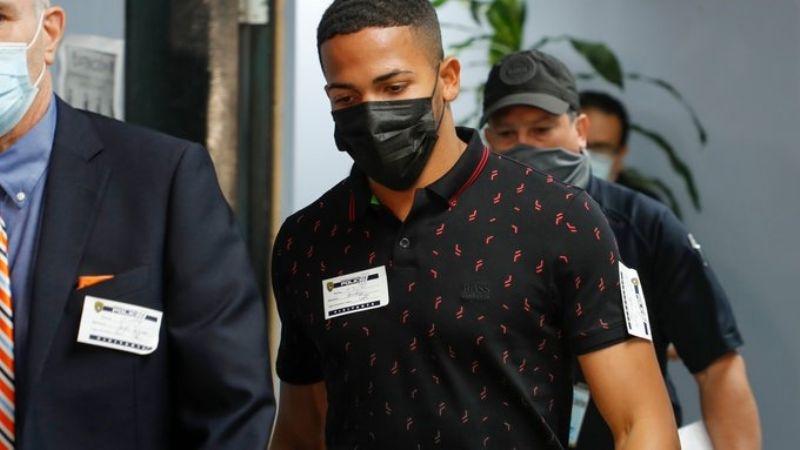El boxeador Félix Verdejo se entrega ante las autoridades; podría enfrentar esta pena