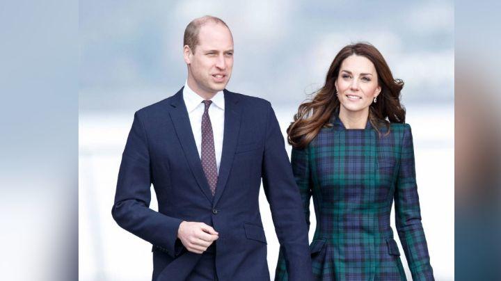 Príncipe William presume con esta FOTO que recibe vacuna contra el Covid-19