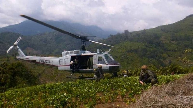 "Buscan a 5 policías que viajaban en helicóptero; desapareció tras ""aterrizaje de emergencia"""