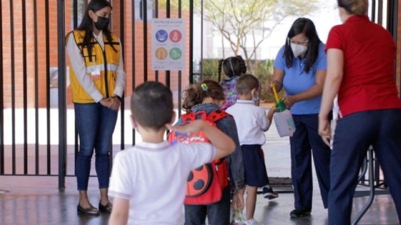 Destaca Salud beneficios de regreso a clases presenciales; padres se oponen