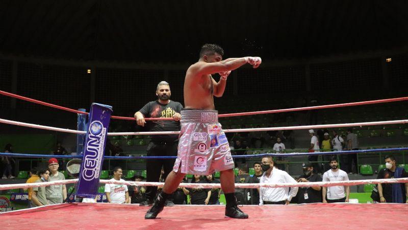 'Guáguara' Reyes Jr., y su padre realizarán función de boxeo para ayudar a la familia de Carlos Castro