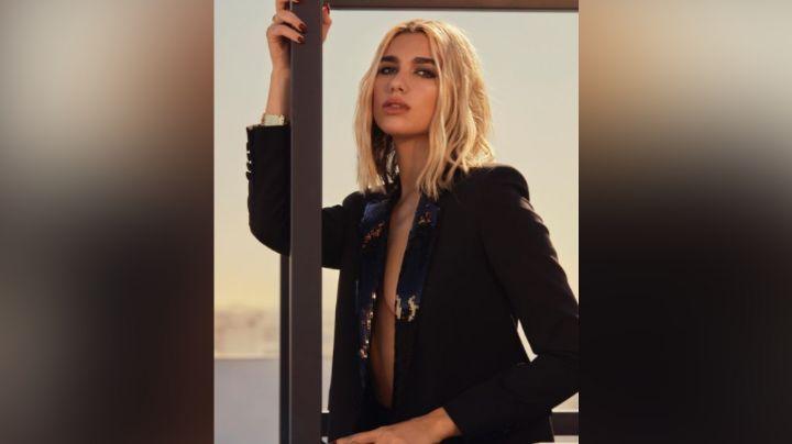¡Reina! Dua Lipa enamora a todo Instagram en una entallada bata blanca