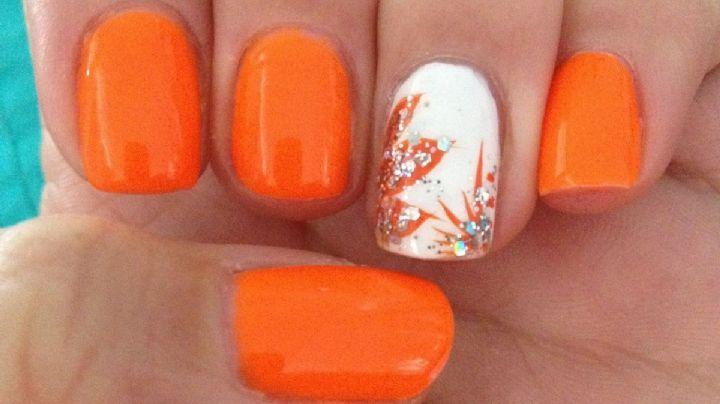 Moda juvenil: Opta por fantásticos diseños de uñas en naranja; será el color del verano 2021