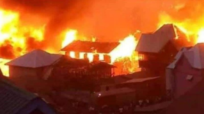 IMÁGENES: Activan plan de evacuación en una ciudad del Congo tras erupción de volcán Nyamulagira