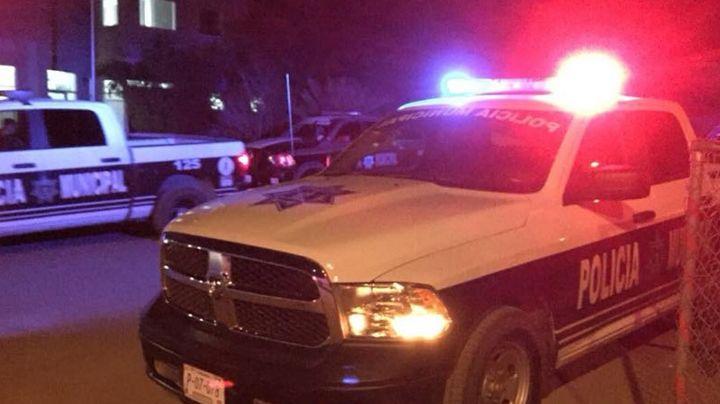 De terror: Asesinan a tres hombres en plena madrugada; a uno le arrojaron bloques en la cabeza