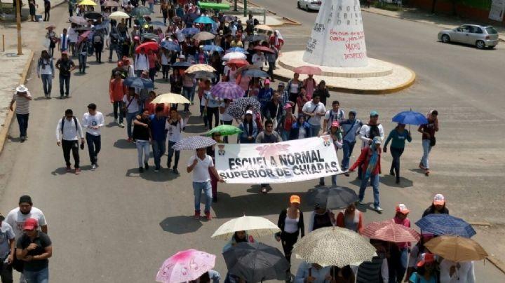 Normalistas que exigían mejor educación en Chiapas son detenidos y violentados; ONU pide investigar