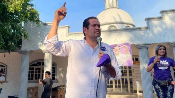 Ataque a suplente del PES por candidatura en Jalisco; encapuchados queman el carro