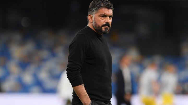 Presidente del Napoli anuncia despido de su director técnico por Twitter