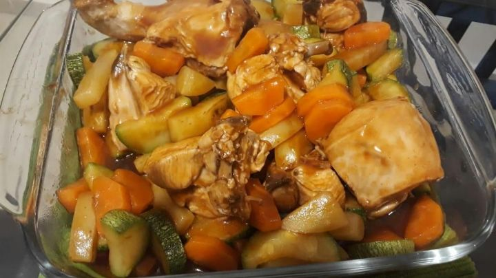 ¡Más delicioso, imposible! Prepara un delicioso pollo con verduras al vino