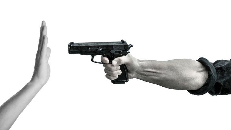 Frente a su hijo de 5 años, grupo armado acribilla a mujer en CDMX; tenía 6 pequeños más