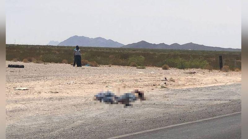 Junto a autopista, abandonan los cuerpos de dos hombres con signos de violencia