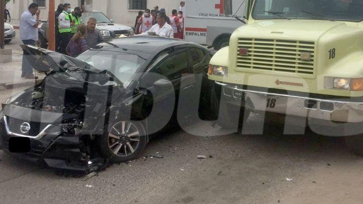 Por cortarle el paso a camión de bomberos, conductor protagoniza aparatoso choque en Empalme