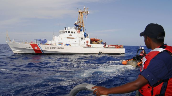 Guardia Costera de EU reporta volcadura de embarcación; hay 2 muertos y 10 desaparecidos