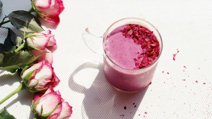 ¿Desayuno de flores? Comienza tu mañana con el delicioso sabor del 'smothie' de rosas