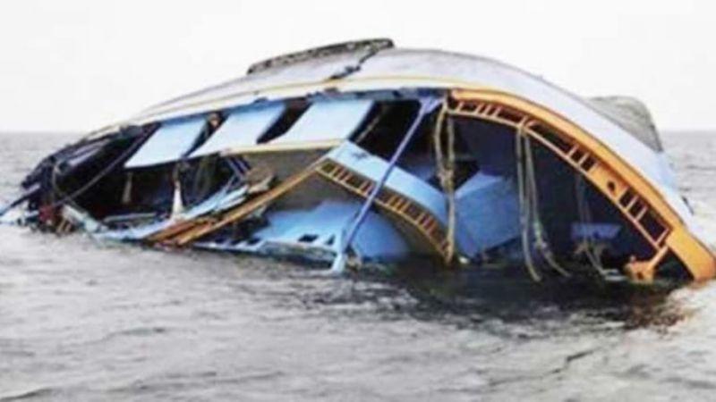 Tragedia en Nigeria: Suman 5 muertos tras naufragio; el barco era de madera y muy débil