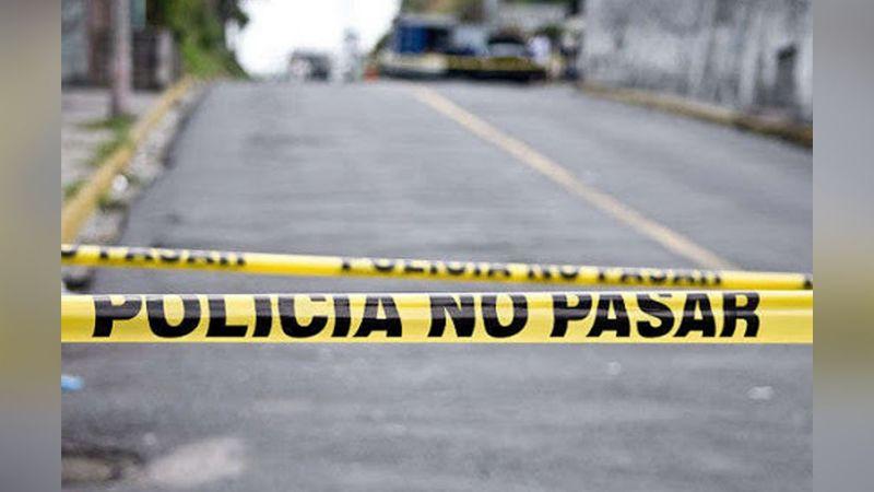 Terror en Tijuana: Sicarios abandonan cuerpo femenino en plena vía pública; estaba encobijada