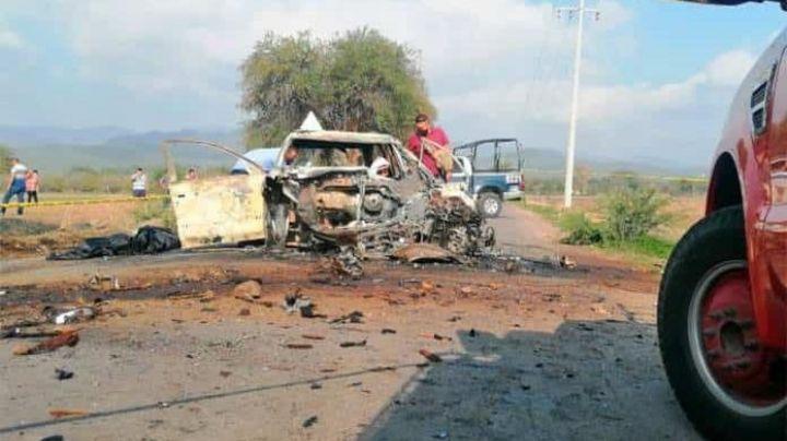 Terrible accidente: Choque vehicular provoca gran incendio; pasajeros mueren calcinados
