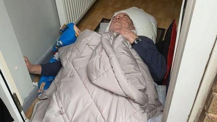 ¡Pasaron 3 horas! Anciano con cáncer espera tirado en la lluvia a que lleguen paramédicos