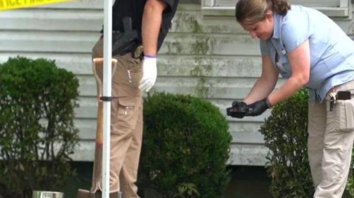 Macabro hallazgo: Hombre llega a casa y encuentra un cadáver descuartizado en su entrada