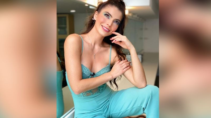 Esmeralda Ugalde enloquece a TV Azteca al lucirse de esta coqueta forma desde la playa