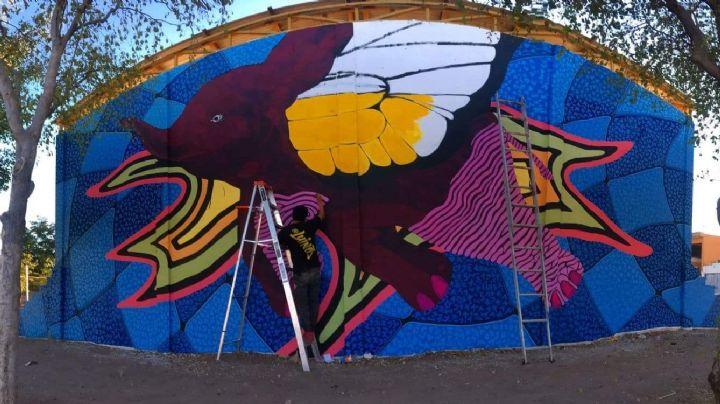 Conoce al 'Elefante bebé volador monarca', el nuevo mural creado por Luis Hinojosa