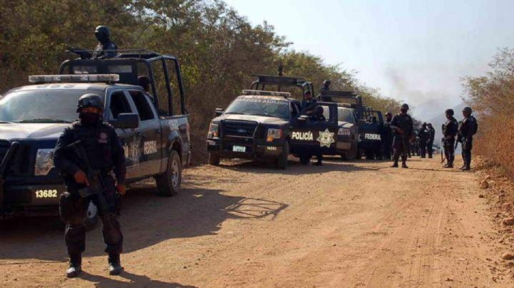 FUERTE VIDEO: Civiles armados emboscan a elementos policiales en Michoacán