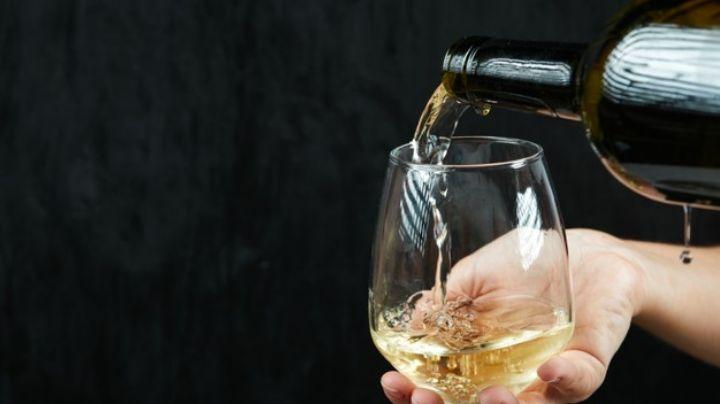 ¡Salud por tu salud! Asómbrate con los beneficios que el vino blanco le da a tu cuerpo