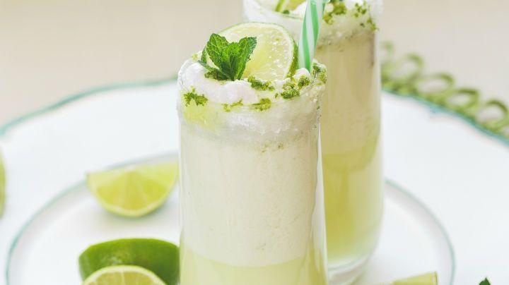 Endulza tu lunes con esta deliciosa y refrescante malteada de carlota de limón