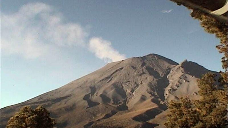 Popocatépetl disminuye actividad pero se mantiene en amarillo fase 2; suma 58 exhalaciones