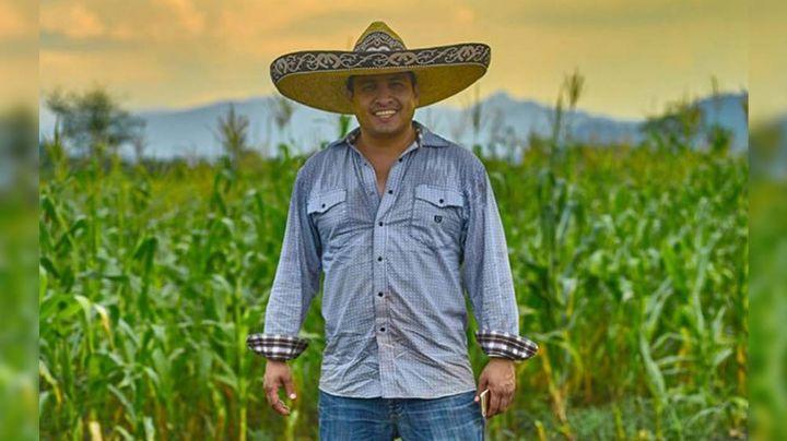 Tras proceso legal y ser corrido de comercios, reciben a Julión Álvarez en lugar público: VIDEO