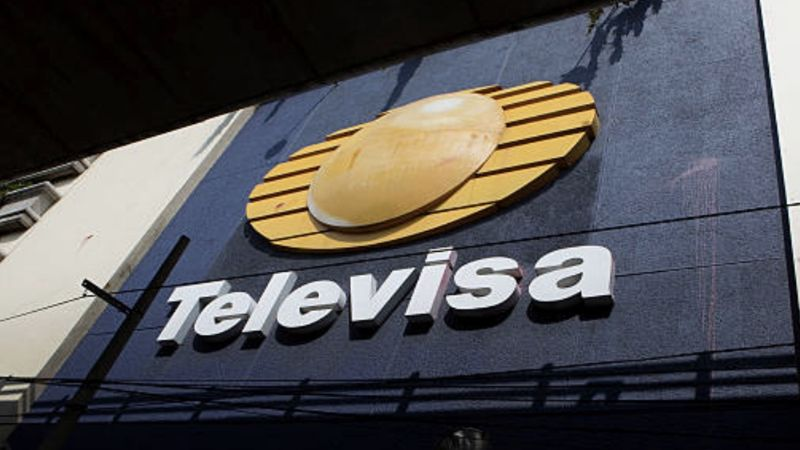 ¡Emboscada! Actriz de Televisa es asaltada por 10 hombres; le roban todo y golpean a 2 sujetos
