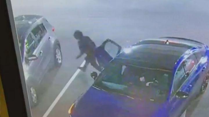 Madre vive momentos de angustia; dos ladrones le robaron el auto con su hija adentro