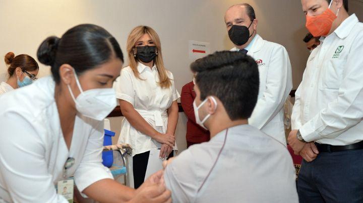 Sonora: Personal de salud de segunda línea recibe primera dosis de vacuna contra Covid-19