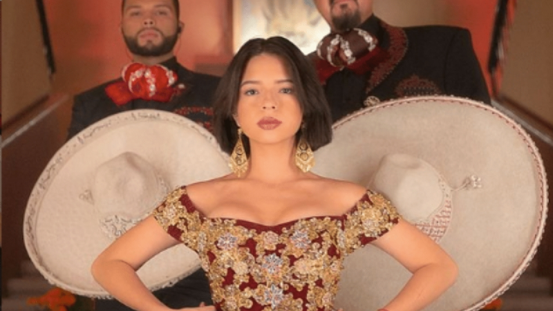 Angela Aguilar flecha a sus seguidores en Instagram al lucir como una verdadera diva