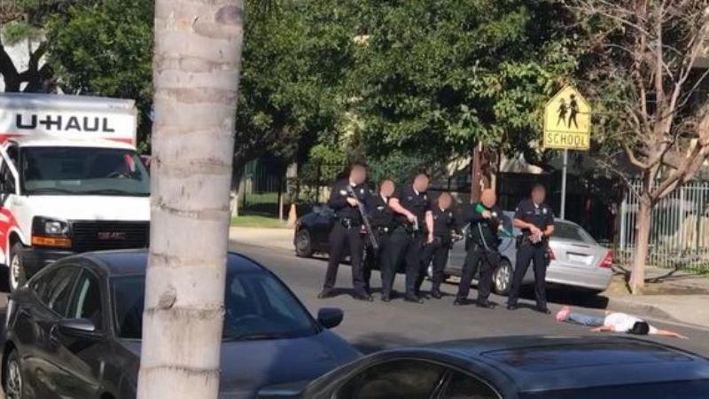 """Dos Mujeres demandan a la Policía de LA por someterlas y encañonarlas por """"error"""""""