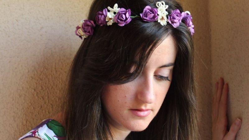 Lleva a la primavera en tu estilo: Estos accesorios en forma de flores serán tus preferidos