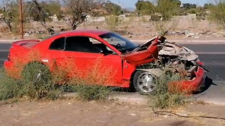 Dos autos protagonizan fuerte choque al sur de Ciudad Obregón; hay grandes daños materiales