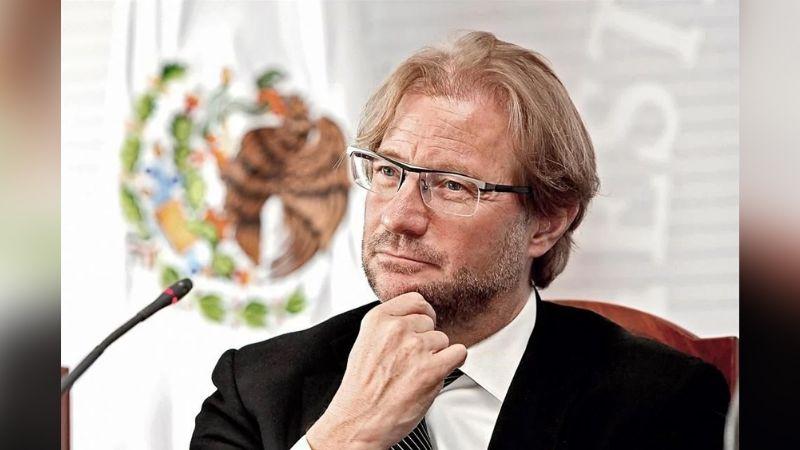 Tras despido de TV Azteca y orden de aprehensión, Andrés Roemer da contundente mensaje