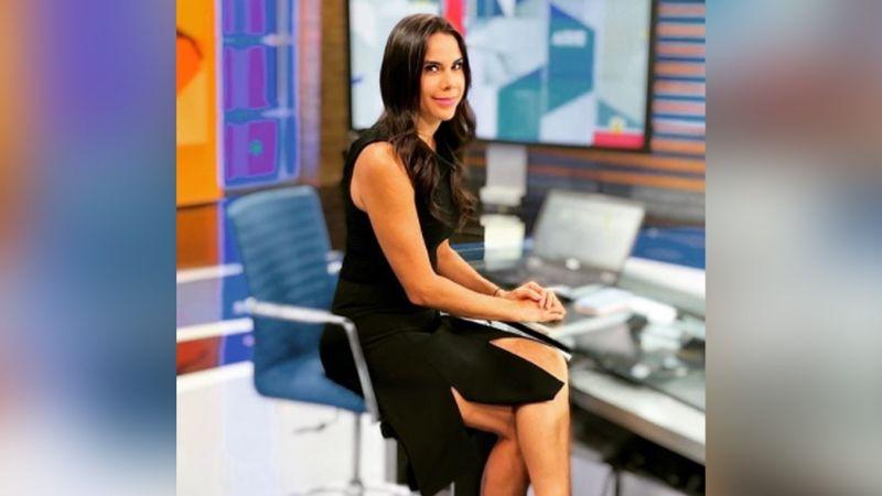 A sus 44 años, Paola Rojas modela su vestido más seductor en Televisa y 'derrite' a todo Instagram